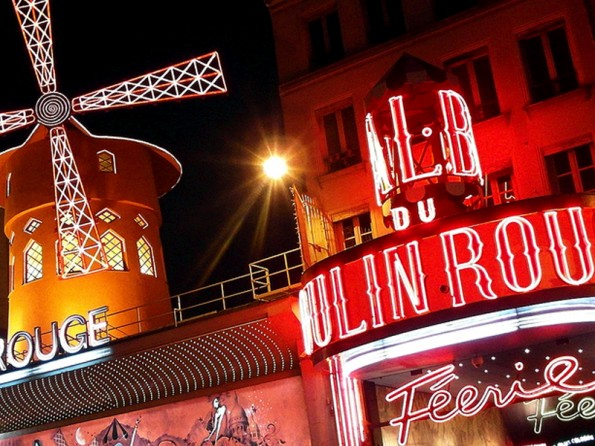 ontarget-displays-famosos-moulinrouge-plv-blog