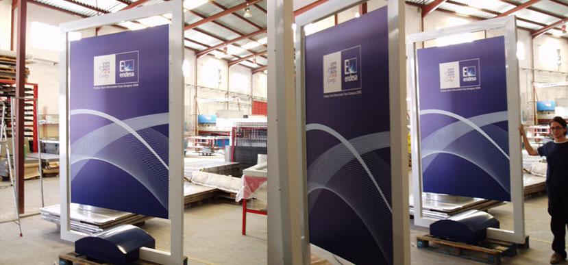 Creacin y fabricacin de plv y mobiliario promocional for Biombos metalicos